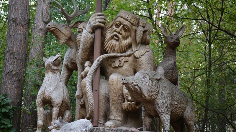 חופשה משפחתית בליטא: פארק גילופי העץ אנטאנס ססנוליס