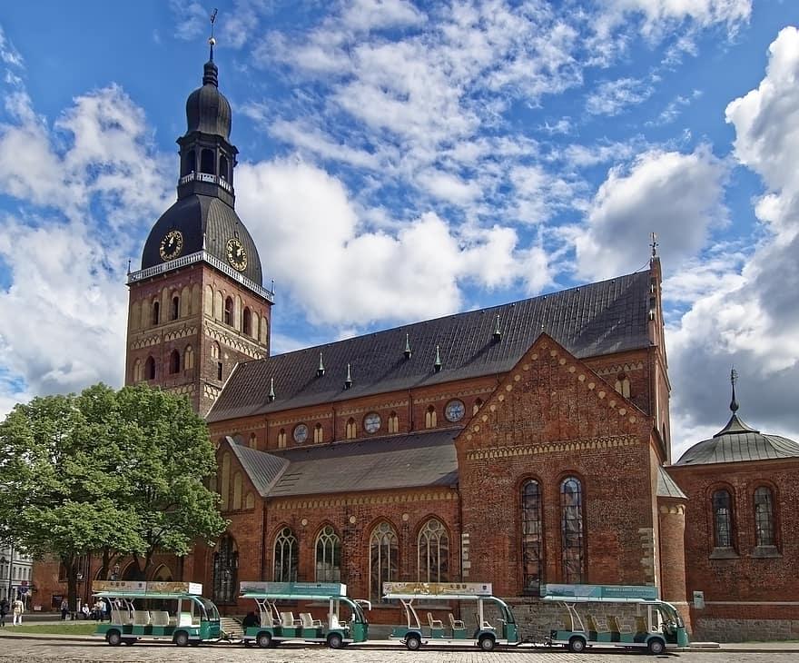 קתדרלת ריגה לטביה